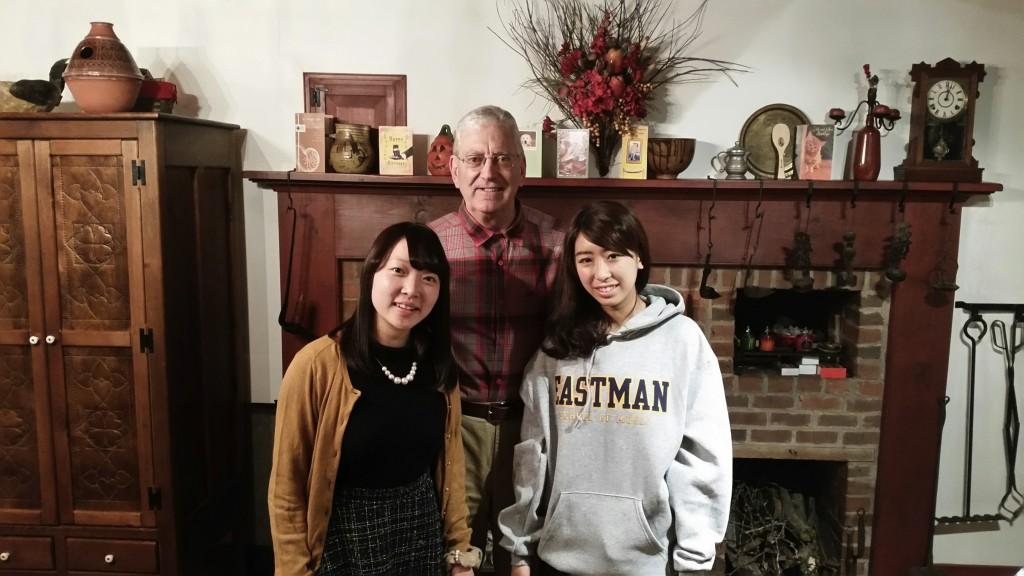 A good-bye photo at home (l-r) Aya, BC, Nonoka